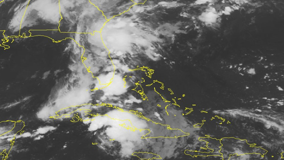 Florida braces for flooding as Erika's remnants move in