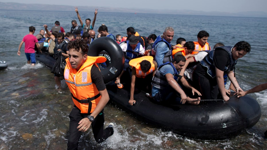 How can US help refugees without ISIS taking advantage?