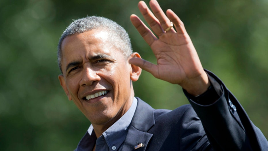 Obama orders sick pay for federal contractor employees