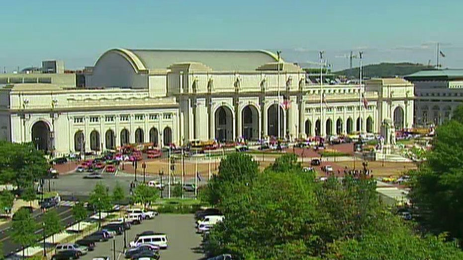 Guard shoots suspect after incident in Union Station