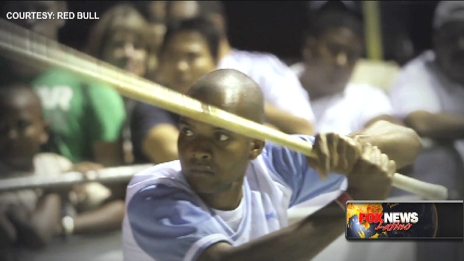 Dominican stickball 'Vitilla' catches on in NYC