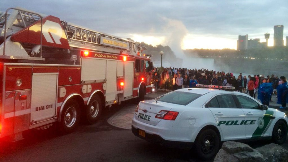 Frantic search for a woman who went over Niagara Falls
