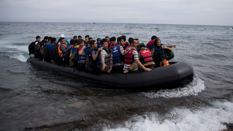 Syrian refugees brave dangerous seas to get to Greece