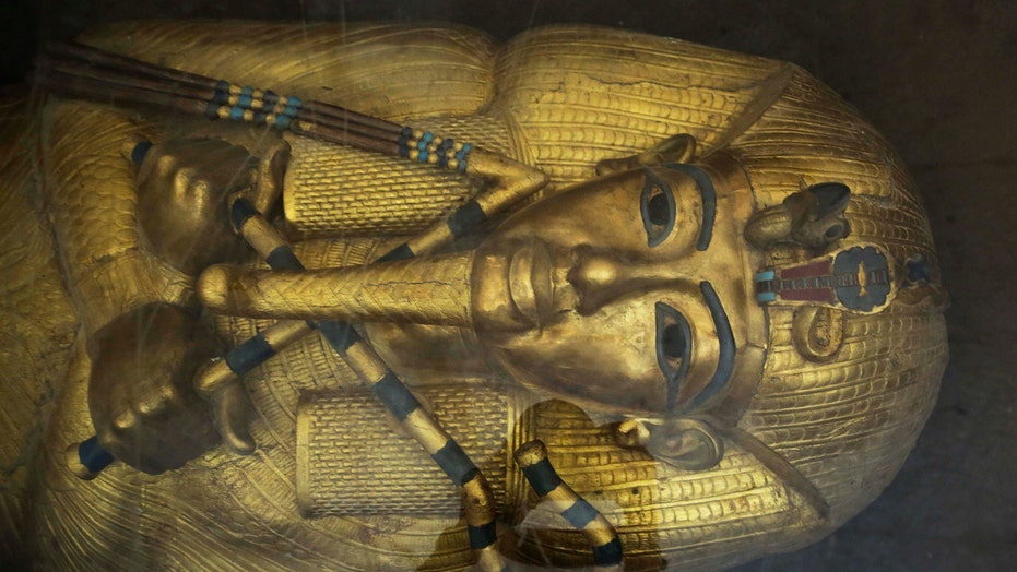 Will King Tut's tomb yield Nefertiti secrets?
