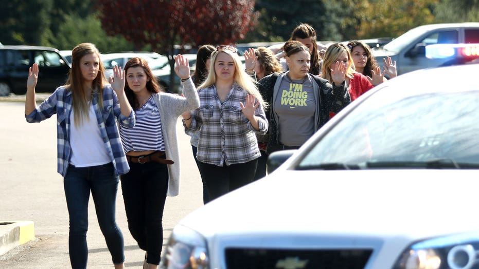 What do we know about Oregon college shooter?