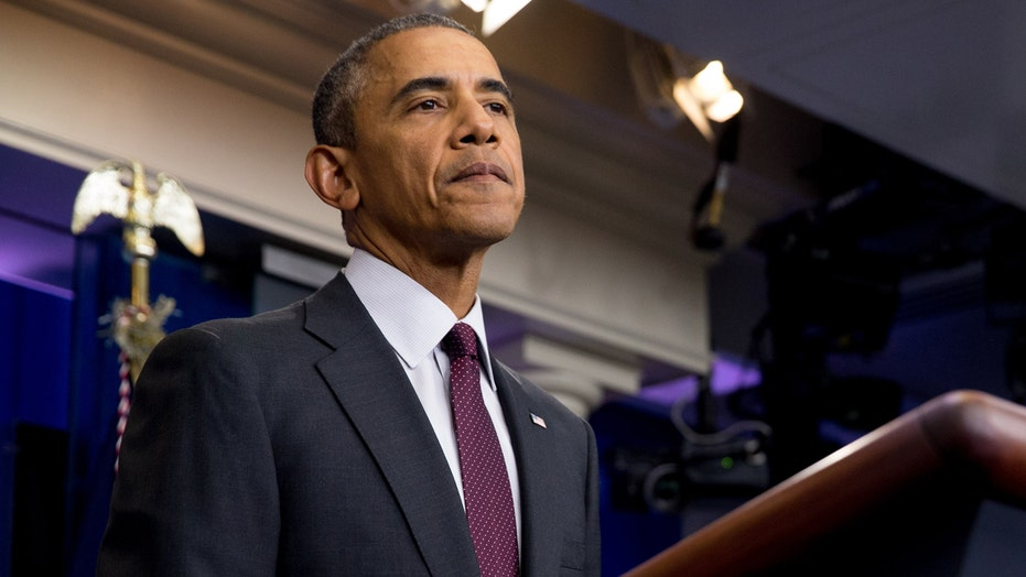 Obama calls for tougher gun laws amid Oregon shooting