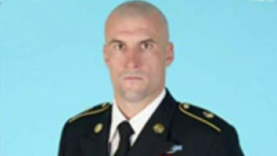 Army delays discharge of Green Beret