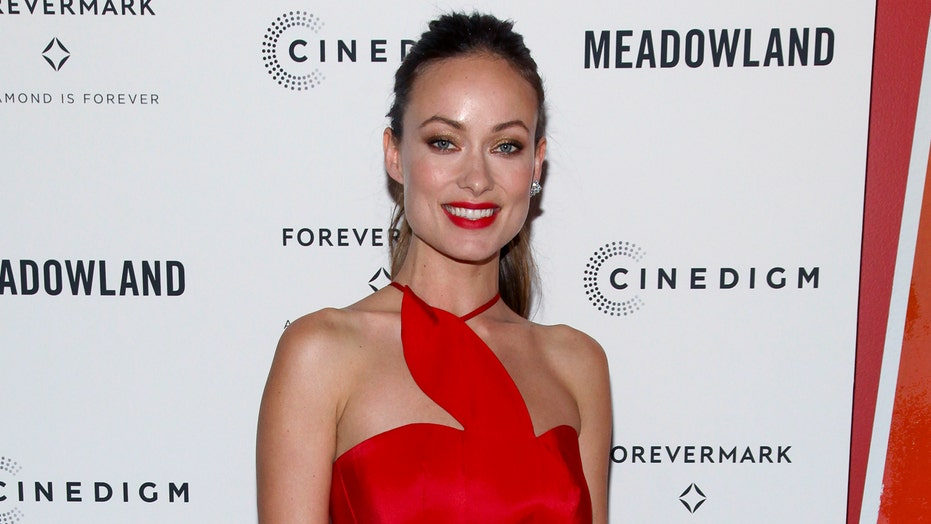 Olivia Wilde labels GOP attacks on Clinton 'pure sexism'