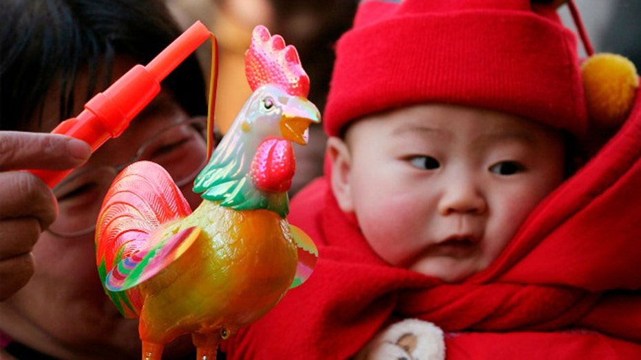 China to allow married couples to have two children