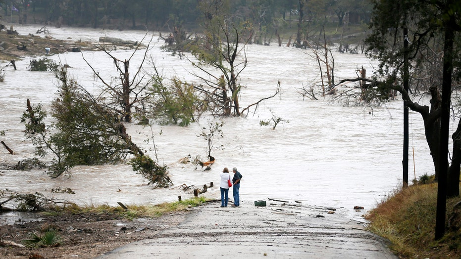 Officials: At least 6 dead, 1 missing after Texas storms