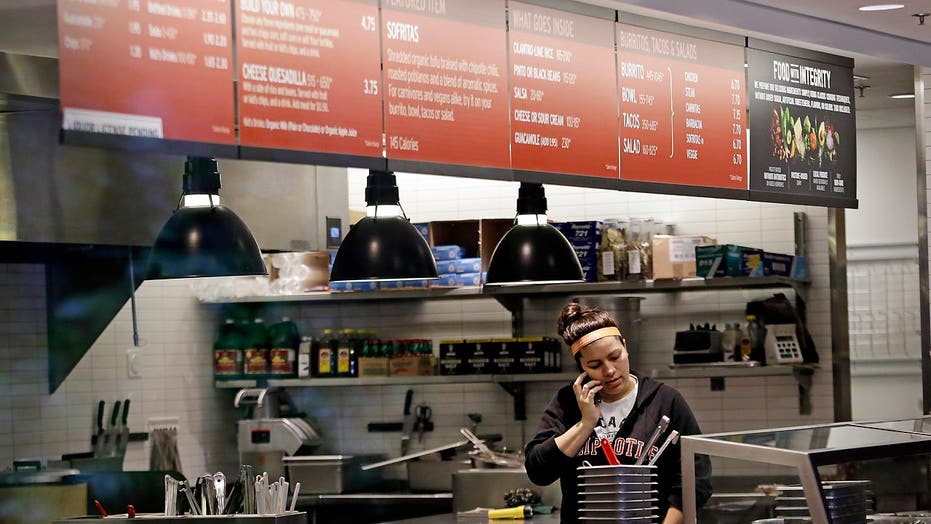 Woman sues Chipotle for allegedly contracting E. coli