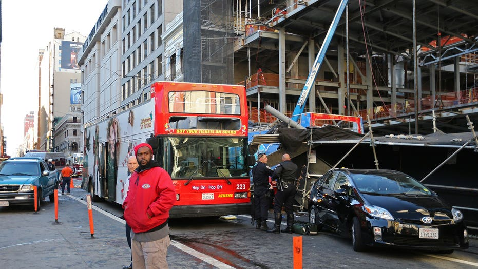 Police: 19 hurt in open-air tour bus crash in San Francisco