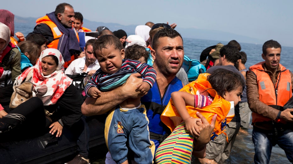 Showdown brewing between governors, feds over refugees
