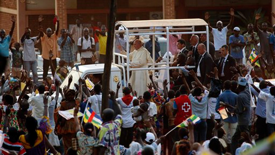 Pope Francis calls for peace in the Central African Republic