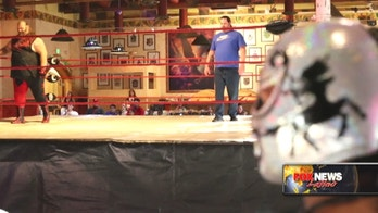 'Lucha libre' wrestling gets traction in Arizona, capturing residents and tourists alike
