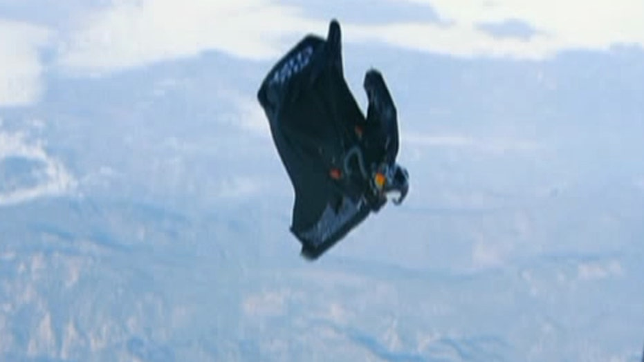 Hands on look at record-breaking wingsuit