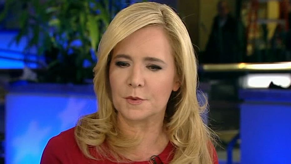Stoddard: Clinton's email problems benefits Sanders