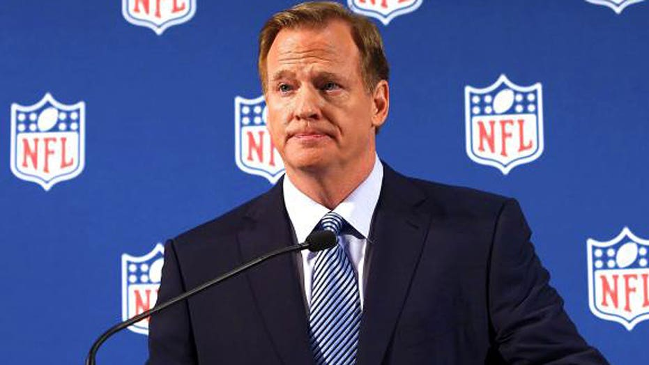Roger Goodell gets a pay cut