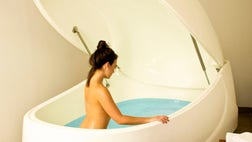 Could floating naked for an hour in a bath full of Epsom salt offer serenity? Floating, one of the latest alternative medicine trends is all about sensory deprivation and it may be the answer some people are looking for to ease stress and aches