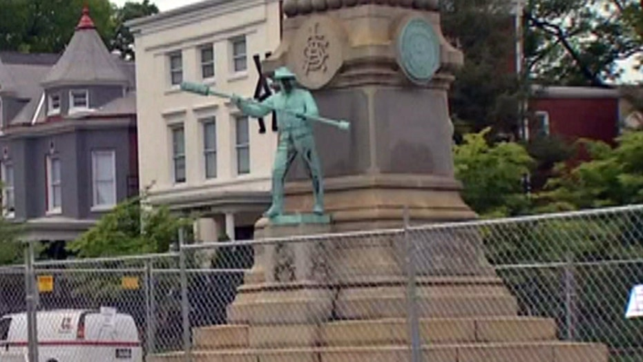 Judge blocks Louisville from moving confederate monument