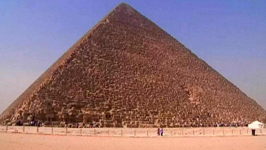 Researchers to use high-tech device to search pyramid