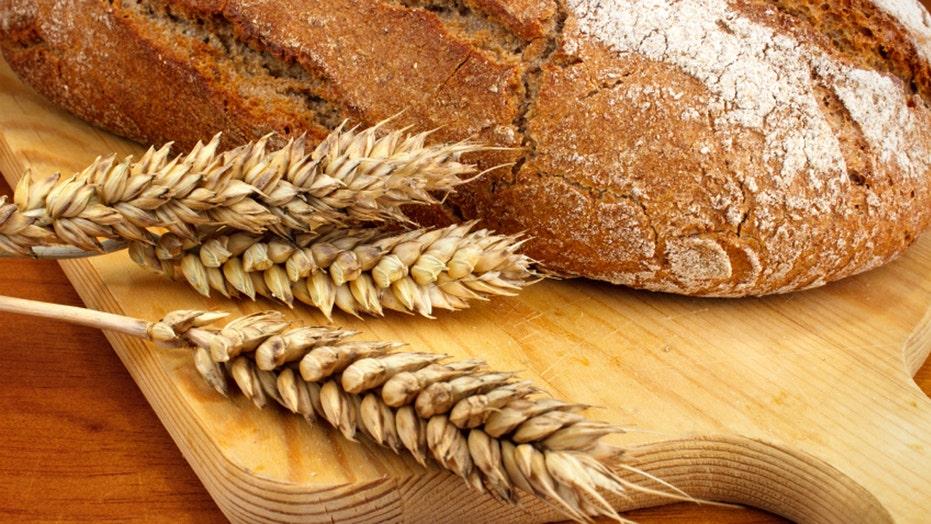 Reducing gluten symptoms