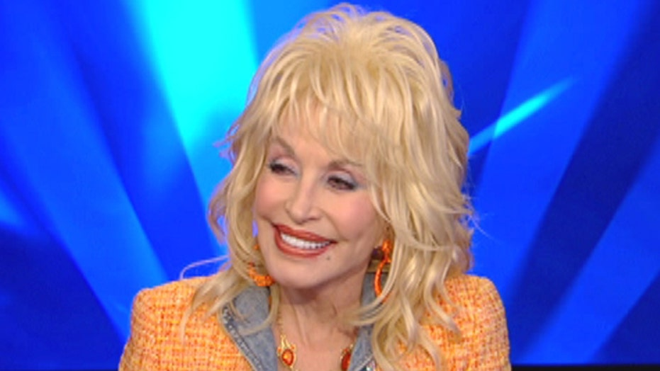 Dolly Parton wants WHO to play her in a movie?