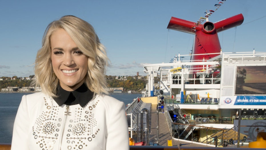 Carrie Underwood salutes the troops at sea