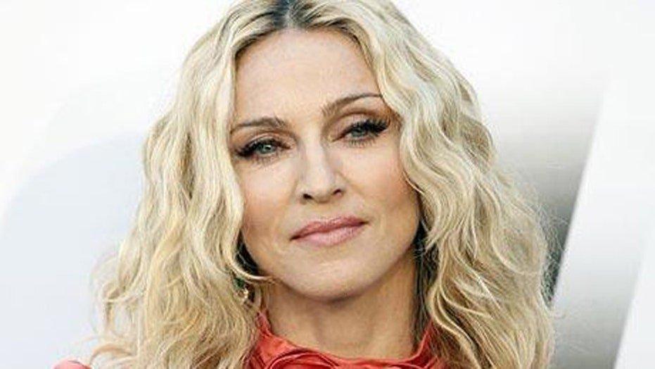 Madonna apologizes for using N-word on Instagram