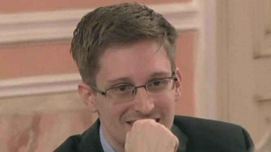 Investigators believe NSA leaker had help stealing documents