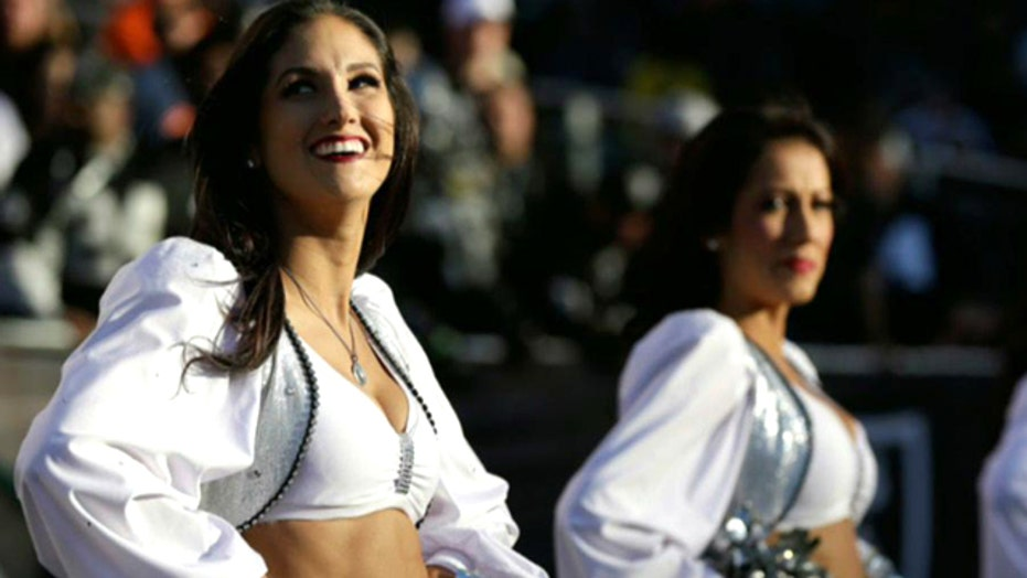 Oakland Raiders cheerleader sues team over wages