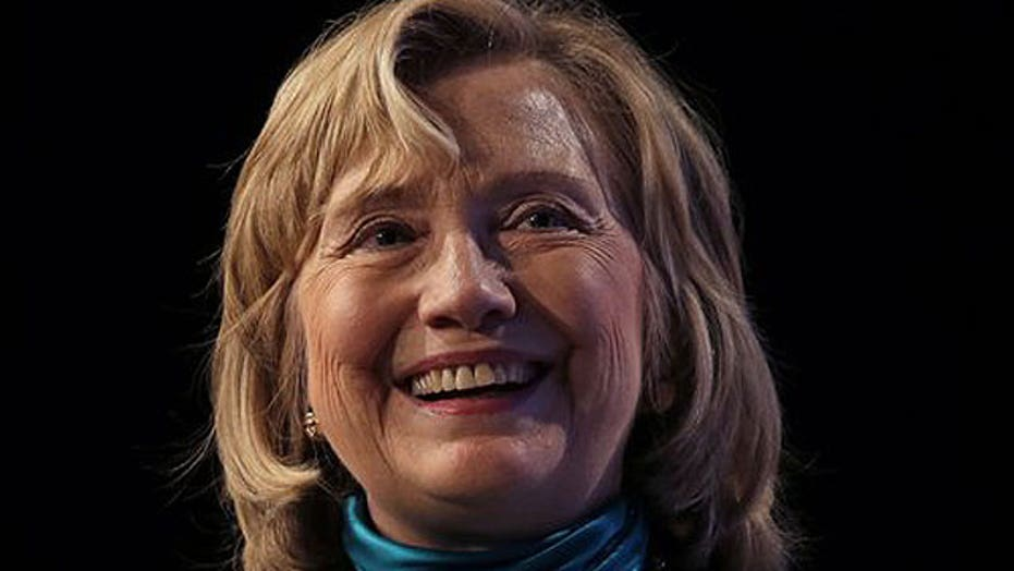 Hillary Clinton holds clear lead in Democratic primary race