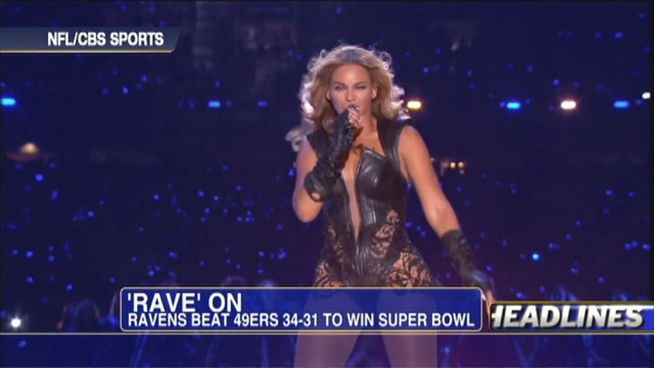 Super Bowl: Hot Halftime