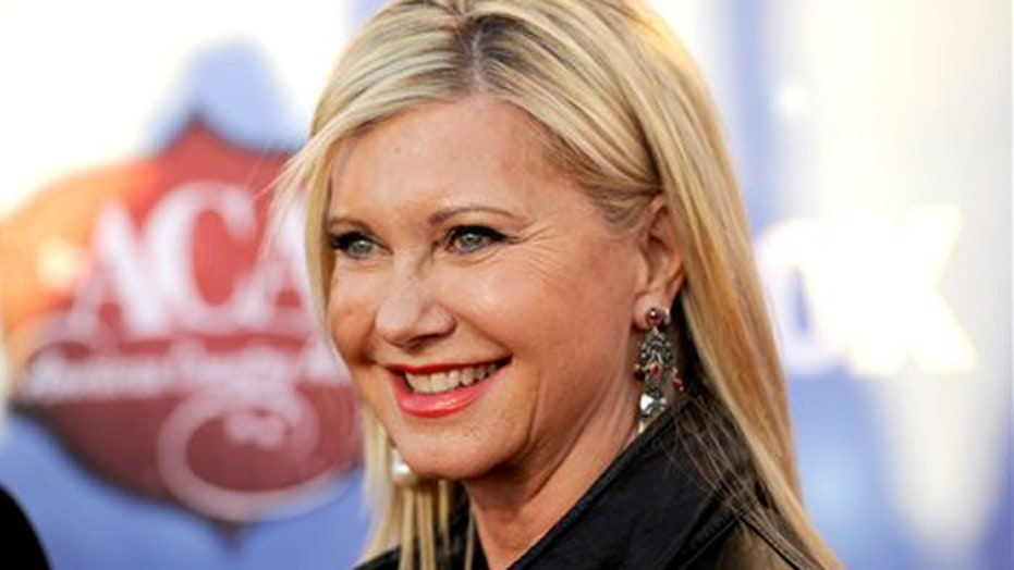 Hollywood Nation: Olivia Newton-John hits Sin City