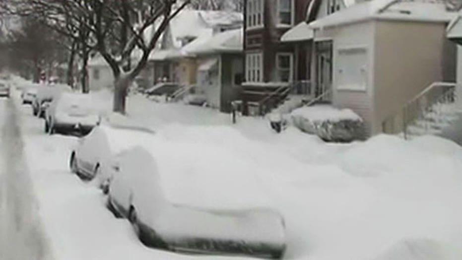 Winter storm slams Midwest, Northeast