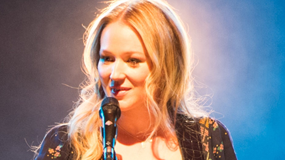 Jewel releases greatest hits album with a twist