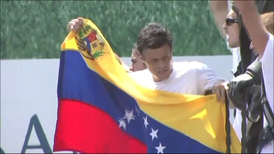 Leopoldo Lopez Addresses Supporters Before Surrendering To Authorities
