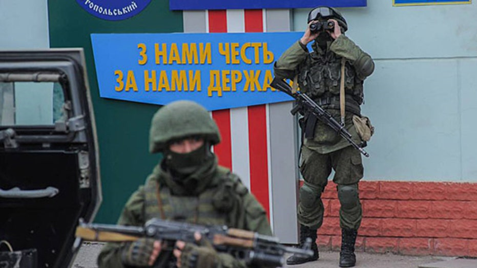 Russia and Ukraine mobilize their forces in Crimea