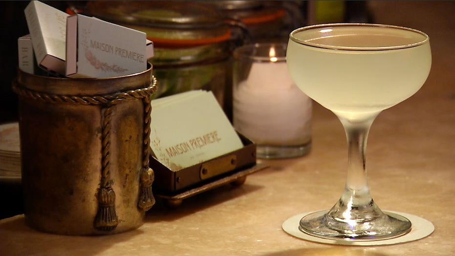 Classic Absinthe Cocktail: Tuxedo No. 2