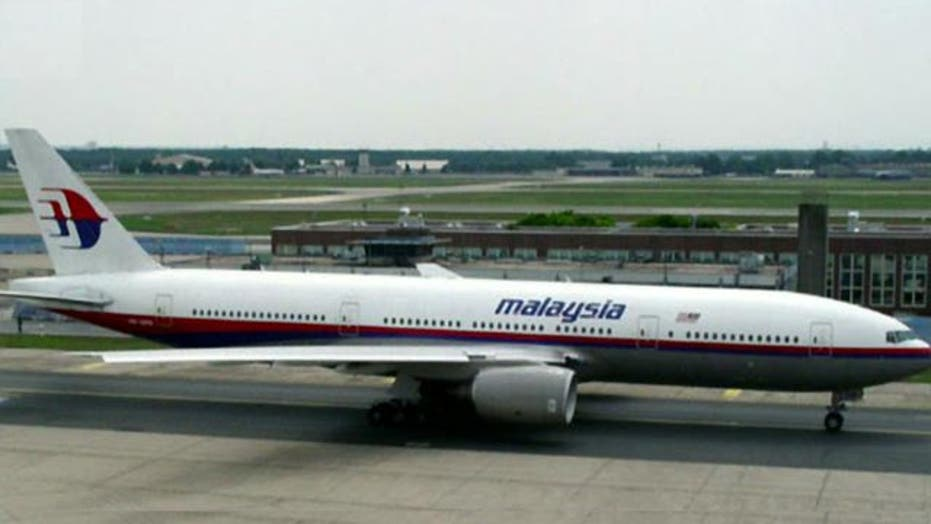Malaysia Airlines loses contact with jet