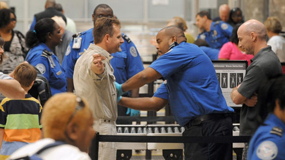Undercover agent clears airport security with fake bomb