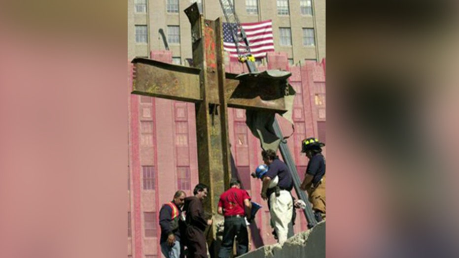 Atheist group sues over Ground Zero cross