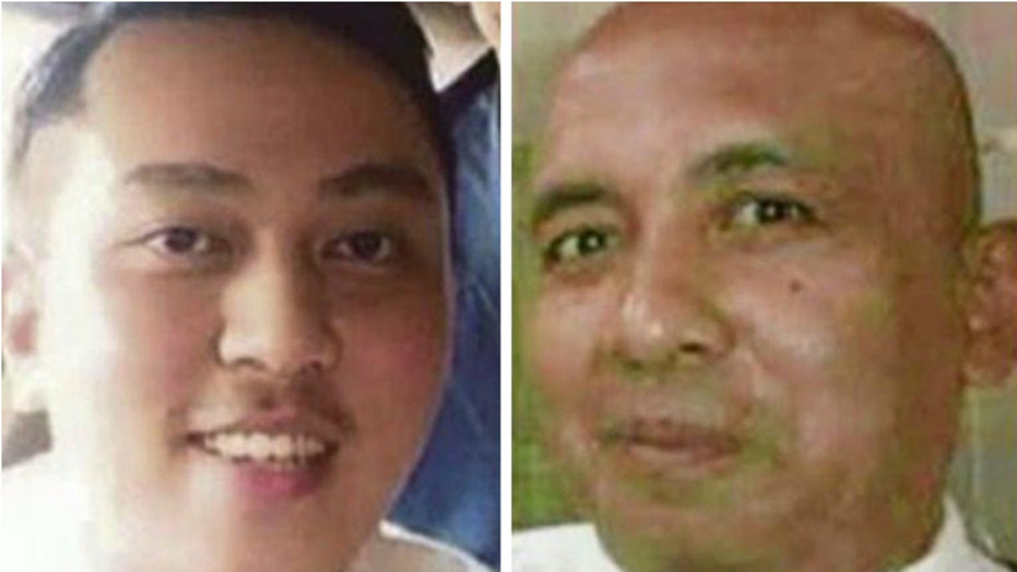 Who are the pilots of the Malaysia Airlines plane?