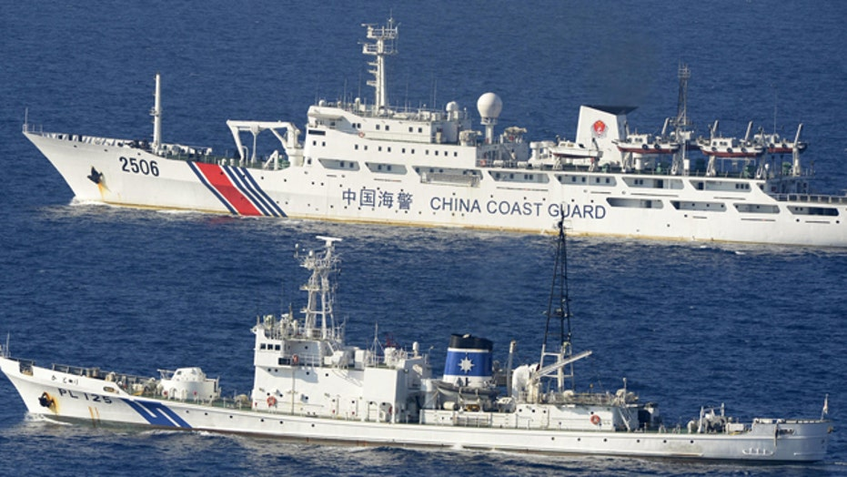 New clues complicate search for missing Malaysian jet