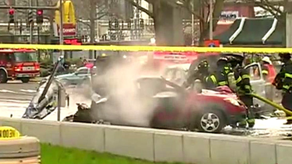 News helicopter crashes near Seattle's Space Needle