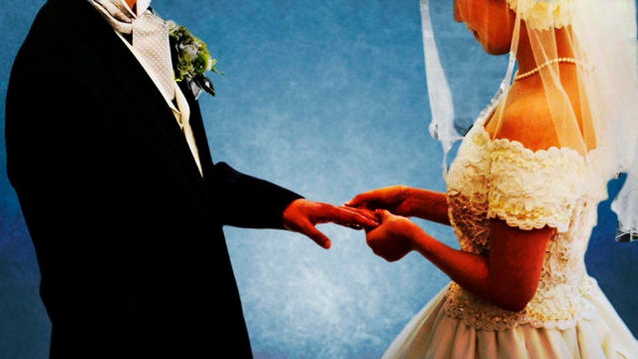 Chesler: Marrying young like 'living in a Muslim country'