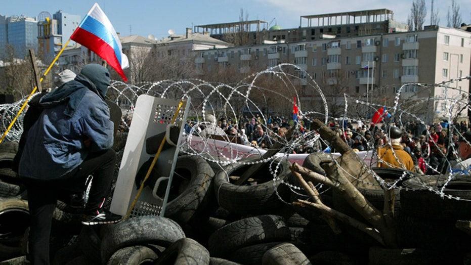 Pro-Russian separatists seize gov't buildings in Ukraine
