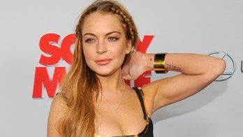 Lindsay Lohan turns up late for 'Scary Movie 5' premiere