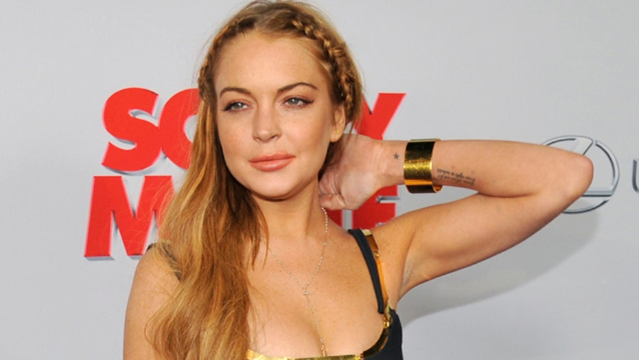 Lindsay Lohan shows up late to her own premiere