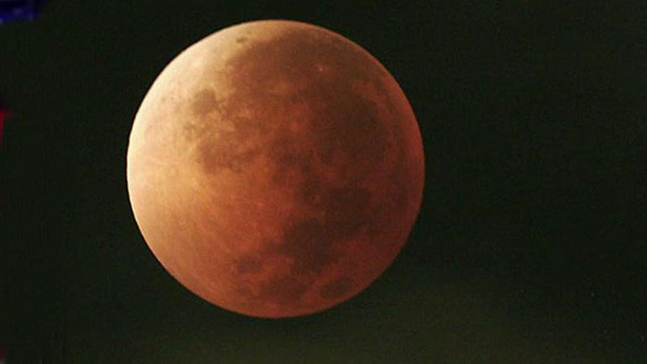 Total lunar eclipse to reveal 'blood moon' in night sky